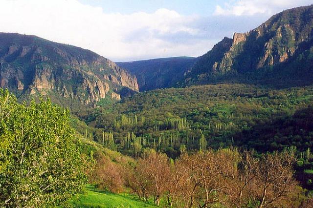 Khosrov Forest Reserve, Armenia © WWF