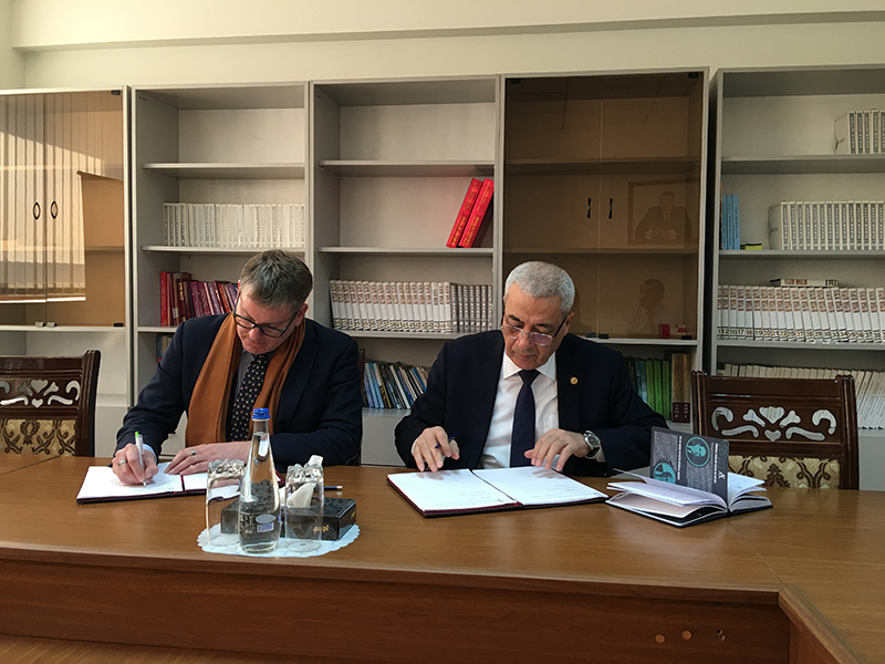 Signing Ceremnony Azerbaijani Ministry of Ecology and Natural Resources and CNF
